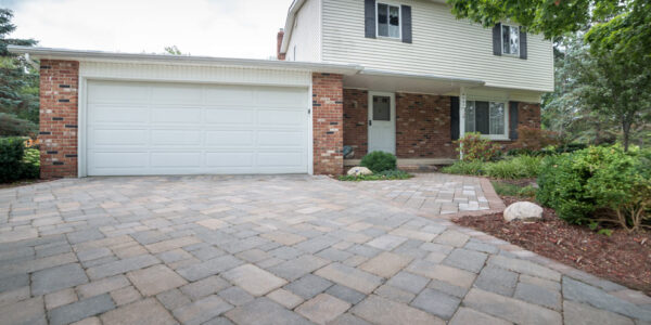 Unilock Brussels Desert Sand Paver Driveway located in Flushing, MI