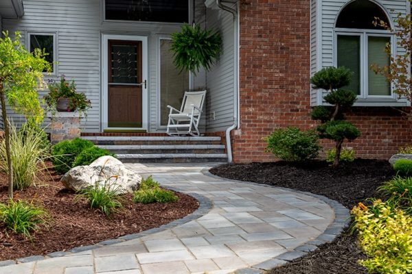 Richcliff Paver walk with brussels block porch and ledgestone steps loacted in Metamora, MI